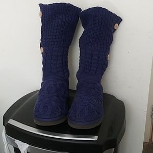Authentic UGG #1000464 Size 9